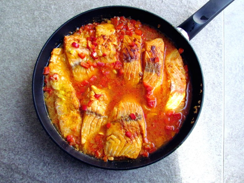 salmon fillets in red pepper sauce