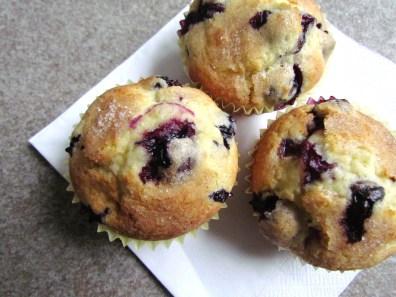 blueberry muffins | www.savormania.com
