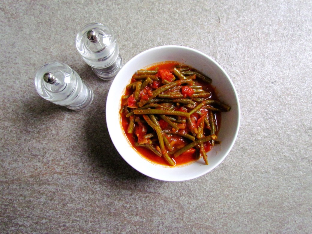 syrian-string-beans-with-spiced-tomato-sauce-2