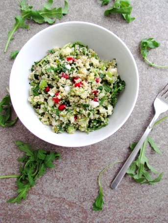 bulgur salad with herbs, pomegranate and pistachios | www.savormania.com
