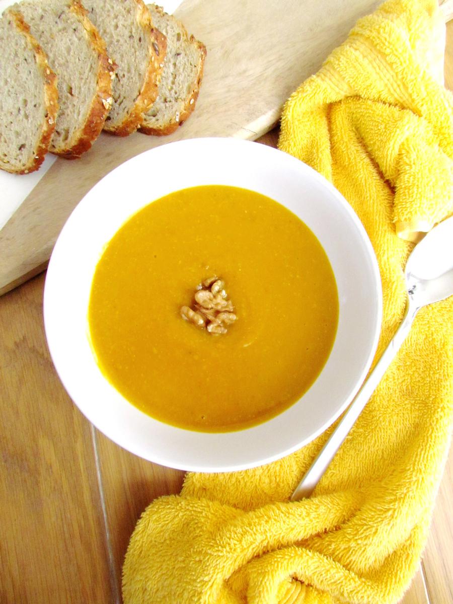 roasted pumpkin and walnut soup