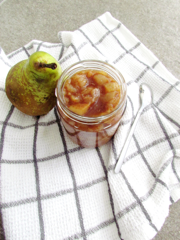 sugar-free pear compote | www.savormania.com