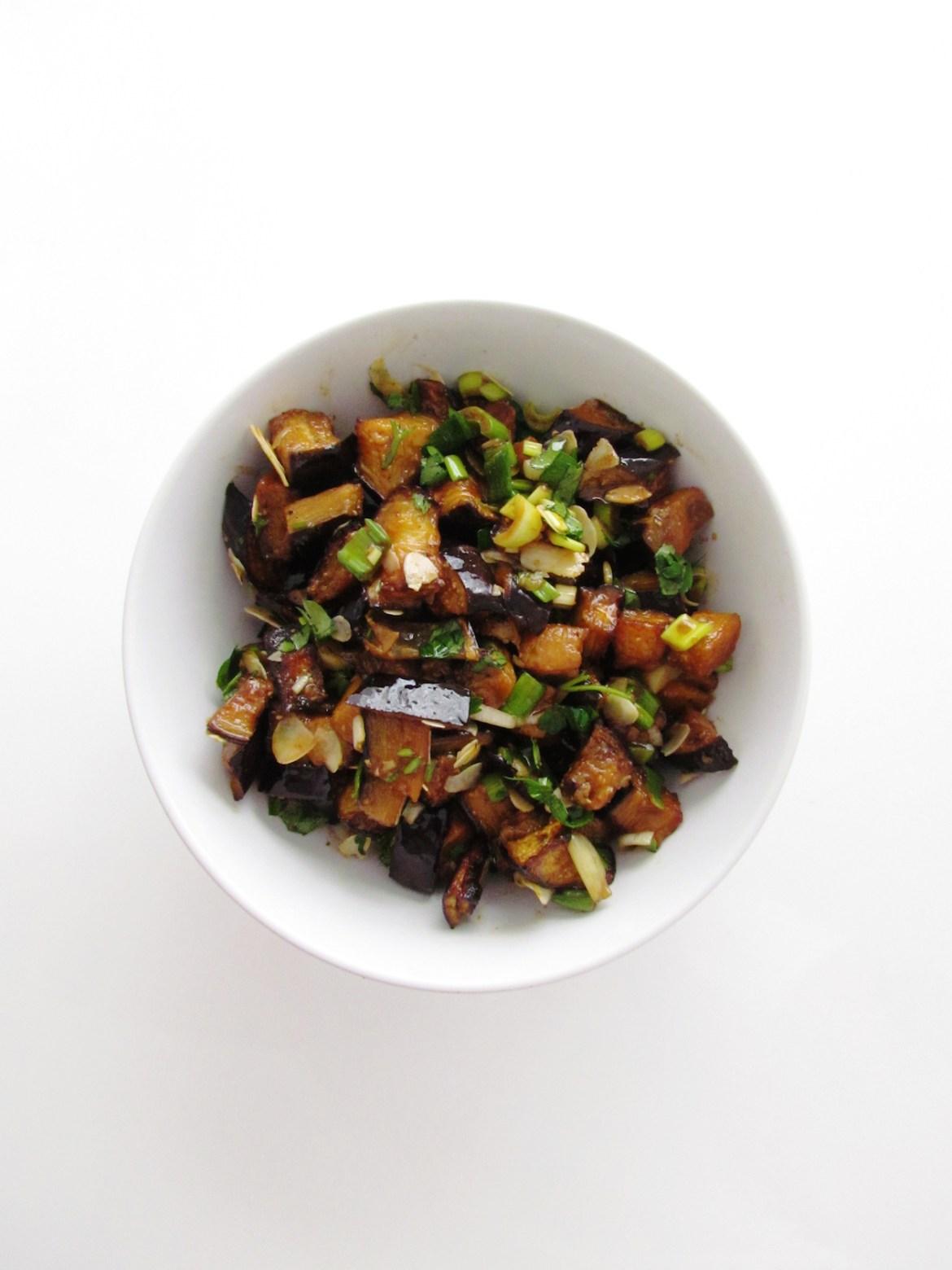 eggplant almond salad | www.savormania.com