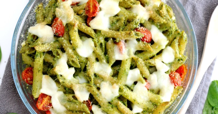 spinach pesto and mozzarella pasta bake