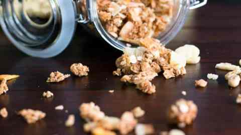 Homemade Tropical Coconut Oil Granola, a healthy, clean eating breakfast addition which will leave you dreaming of the Caribbean!