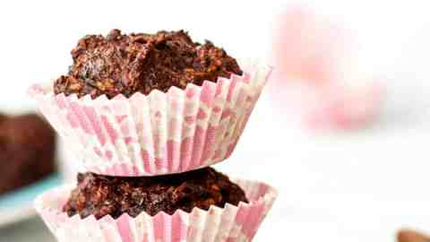 Chocolate Zucchini Coconut Muffins Recipe {vegan and refined sugar free} - Deliciously moist muffins with ingredients so healthy you can easily get away with chocolate for breakfast!
