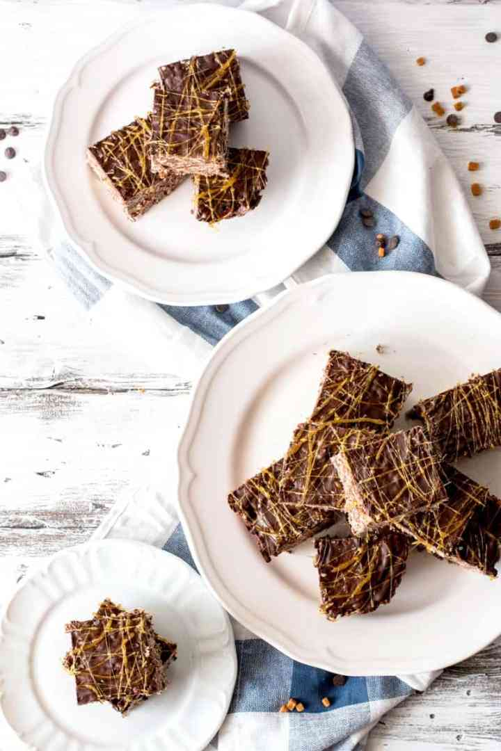 Salted Dark Chocolate Caramel Rice Krispie Treats   savorynothings.com