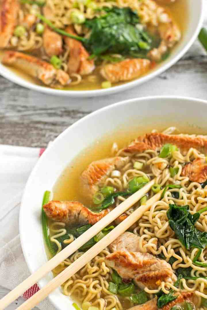 Leftover Turkey Ramen - The perfect meal to make after Thanksgiving to use up that turkey! Light and quick - 10mins! #thanksgiving #leftovers #turkey #ramen #healthy   savorynothings.com