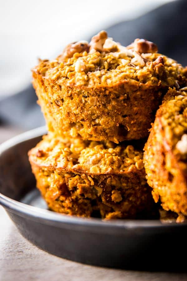 These baked pumpkin oatmeal cups are a great meal prep idea for fall. Stash them in your freezer!