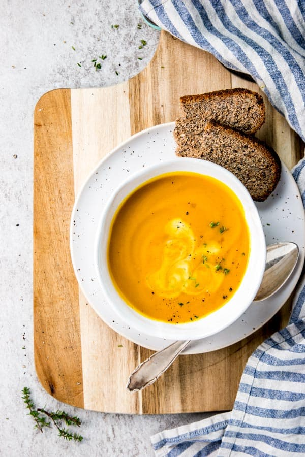 This easy pumpkin soup is quick to make and tastes amazing!
