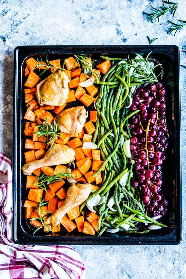 chicken and grapes sheet pan dinner
