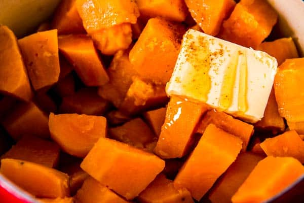 boiled sweet potatoes with honey, butter and nutmeg
