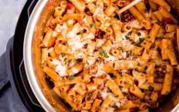 instant pot filled with baked ziti