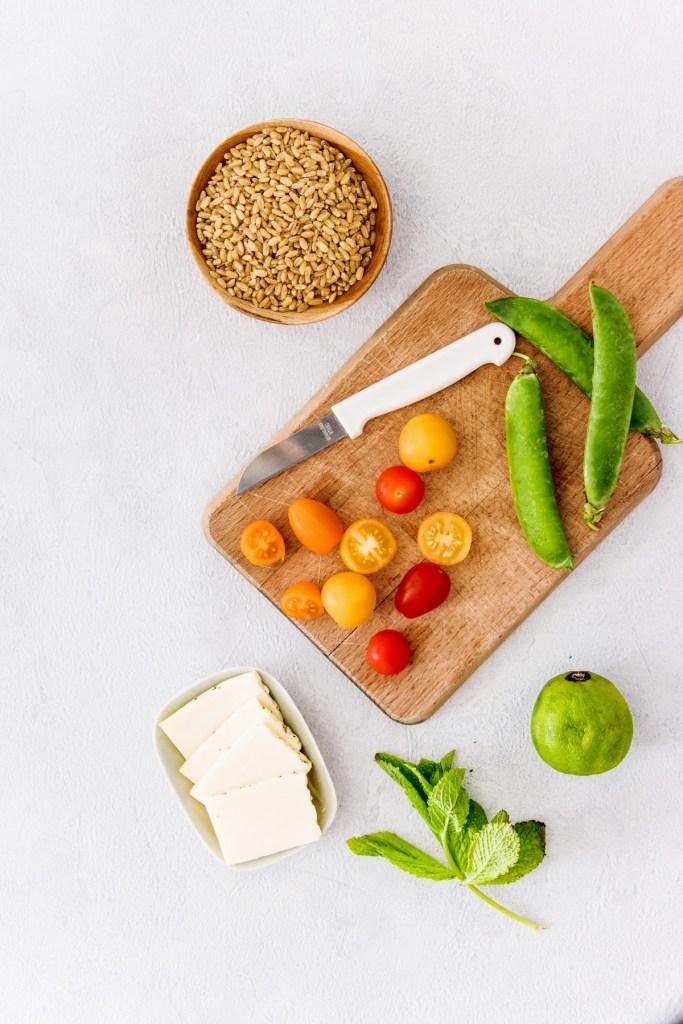 salade-ble-tomates-cerises-petit-pois-halloumi-blog-1