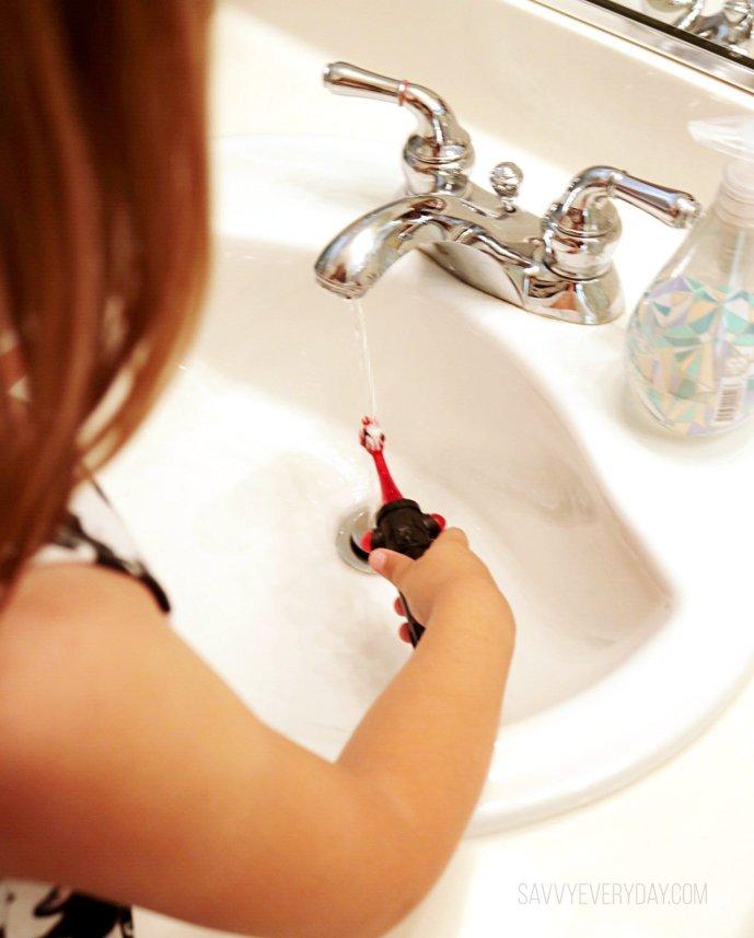 rinsing toothbrush