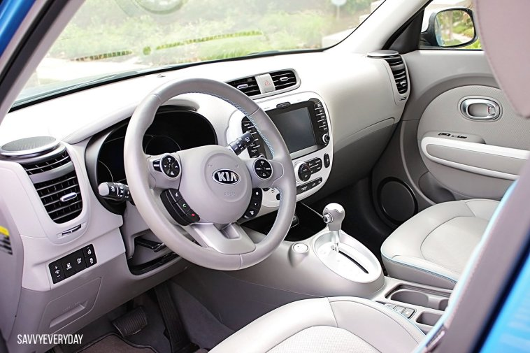 2015-kia-soul-another-interior