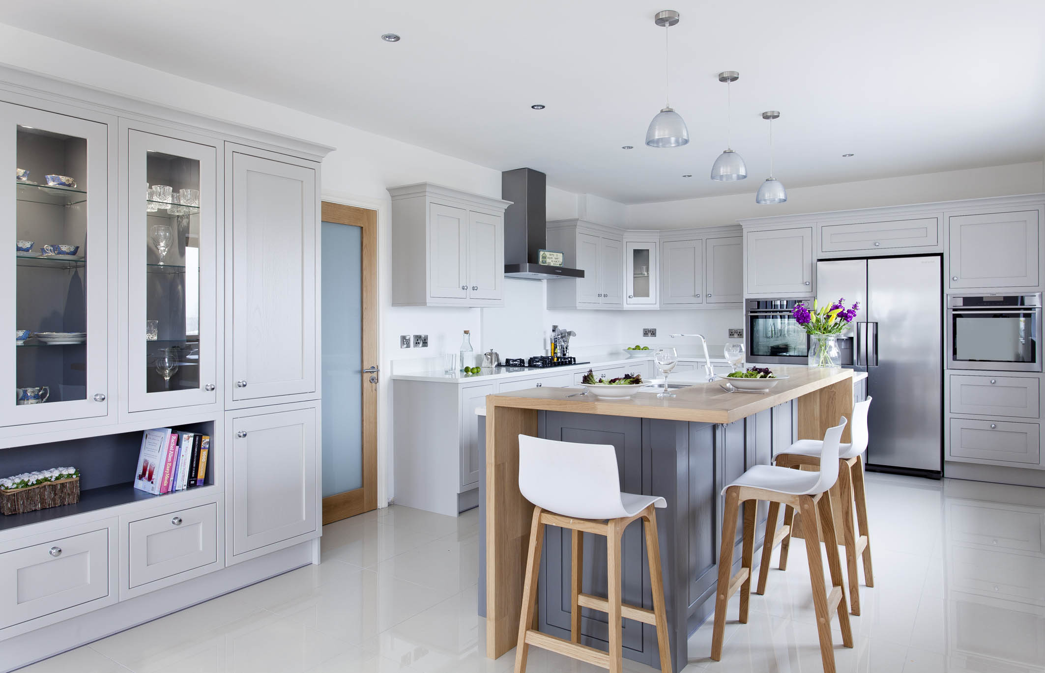 Contemporary Classic Painted Kitchen With Oak Breakfast