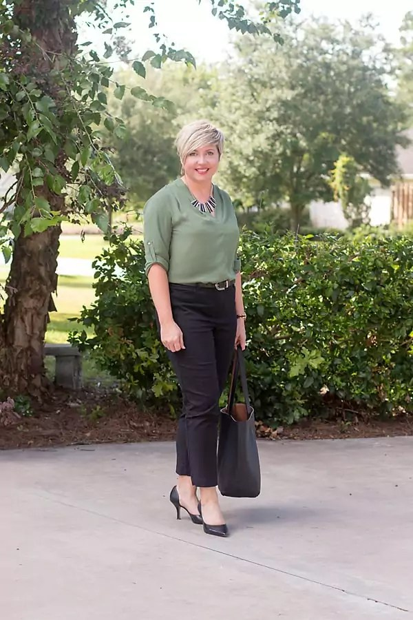 black ankle pants, olive tunic, office outfit, work wear