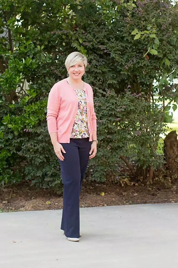 womens navy blue pants outfit