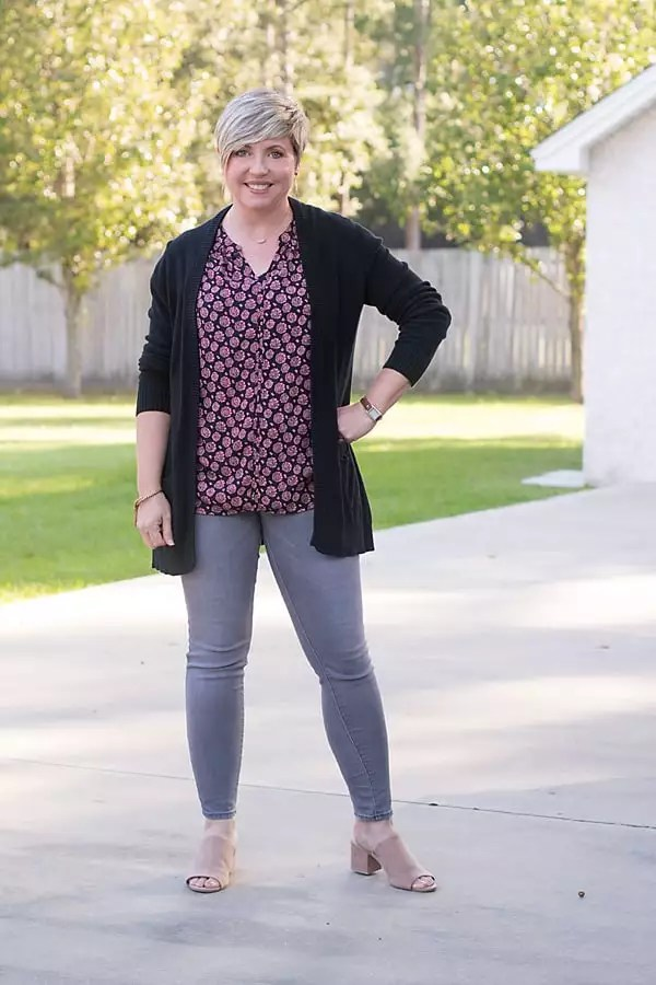 grey jeans outfit, best jeans for fall and winter