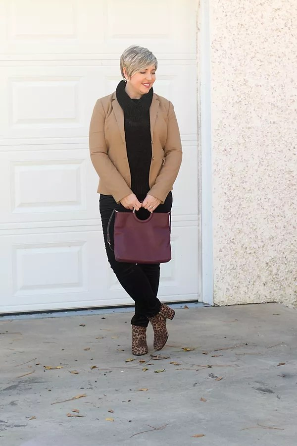 leopard ankle boots with black outfit