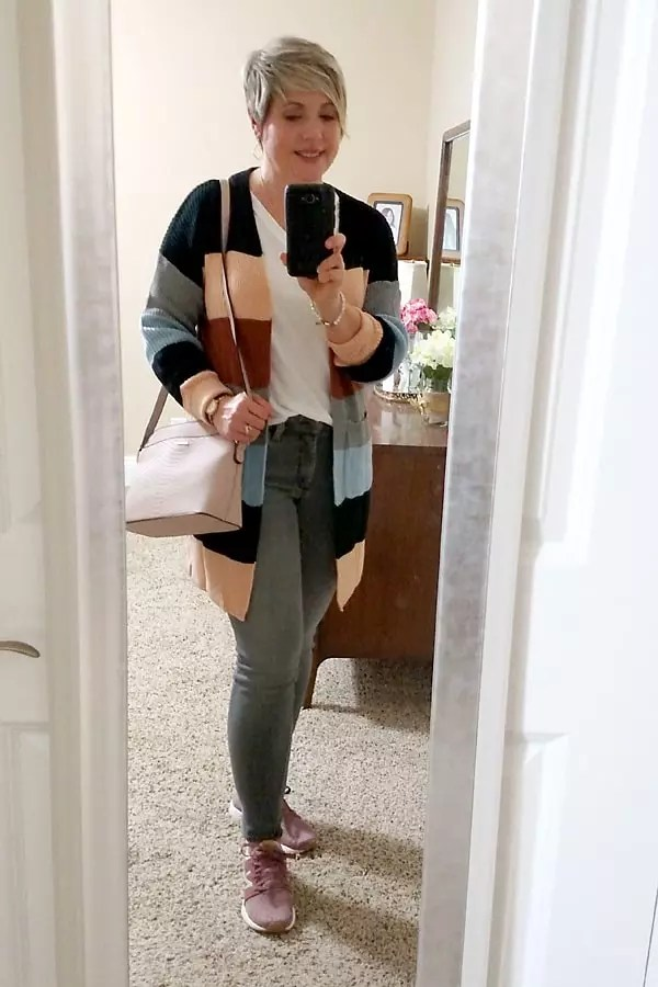 spring cardigan outfit with sneakers