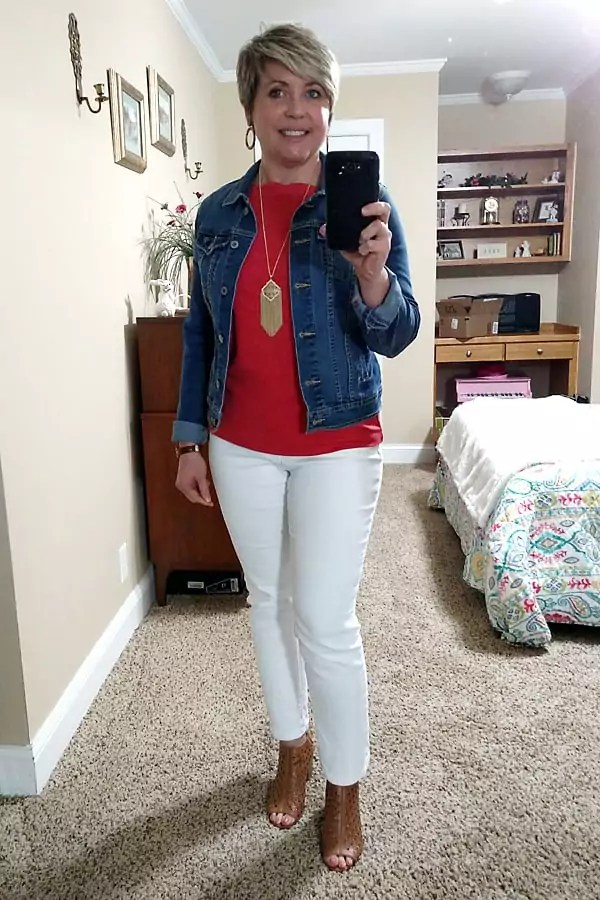 denim jacket and white jeans spring outfit