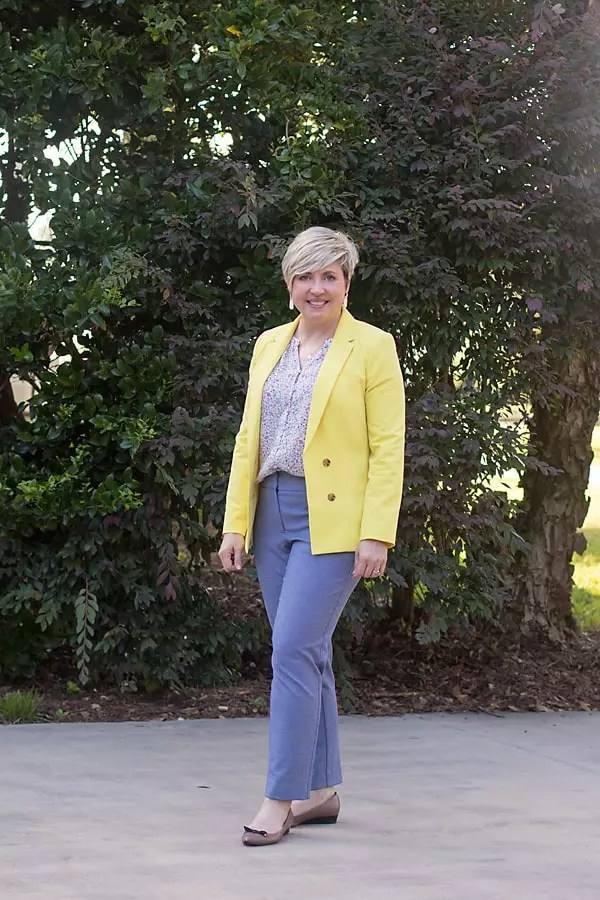 colorful summer blazer outfit with blue pants
