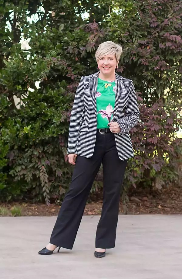 3 ways to wear gingham, office outfit with gingham blazer