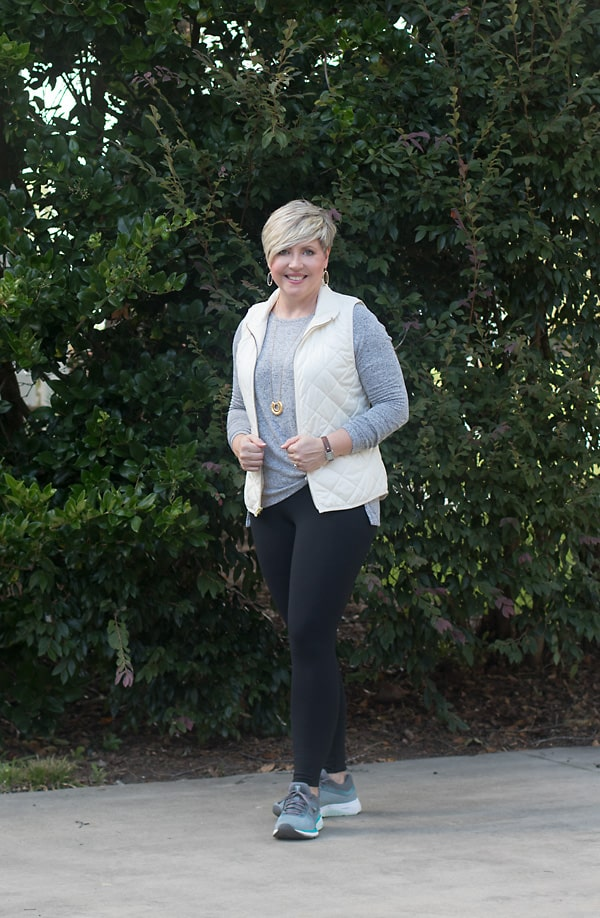 leggings atheleisure outfit