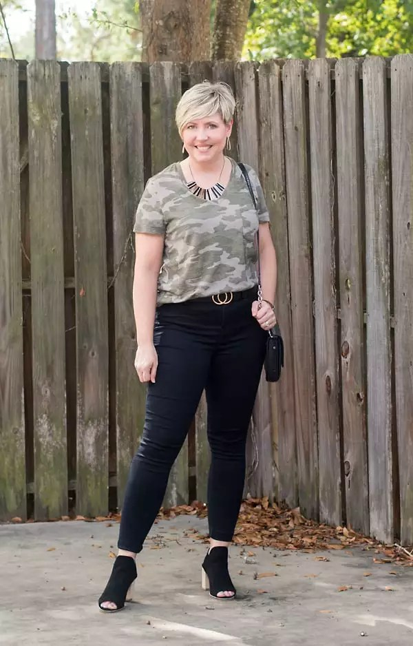 black jeans and camo tee, date night outfit