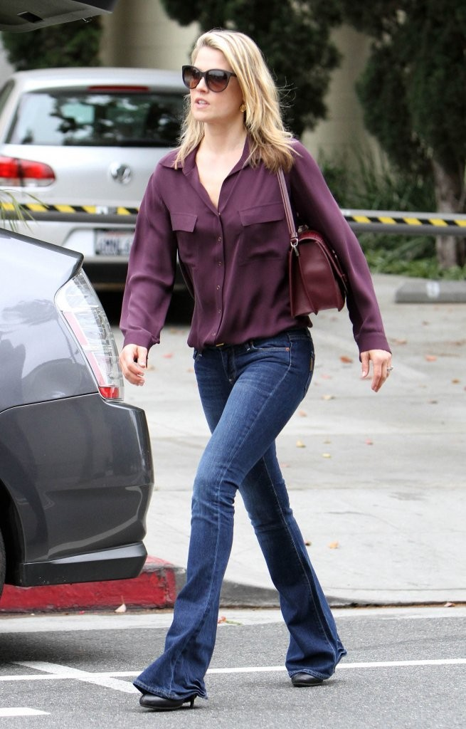 Ali Larter Booty In Jeans 7 SAWFIRST