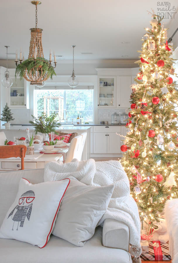 Cozy And Traditional Holiday Home Tour 2016 Saw Nail And