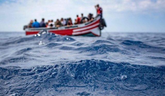 صورة فقدان 30 مهاجرا بمياه الأطلسي انطلقوا من سواحل طانطان إلى جزر الكناري