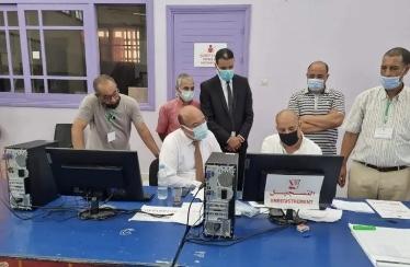 صورة الكريمي مدير الأكاديمية الجهوية للتربية والتكوين يتفقد عمليات تلقيح المتمدرسين بأسفي