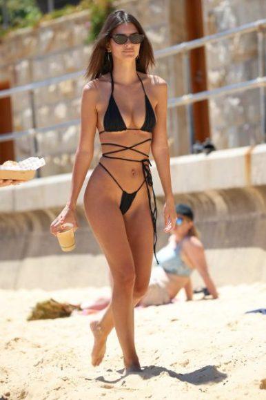 emily-ratajkowski-spotted-in-a-black-string-bikini-at-the-sydneys-camp-cove-beach-in-sydney-australia-121118_13