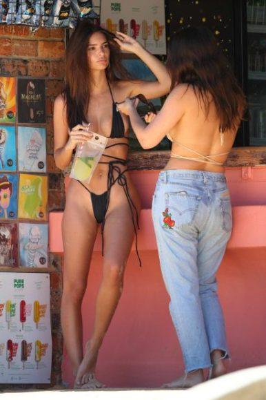 emily-ratajkowski-spotted-in-a-black-string-bikini-at-the-sydneys-camp-cove-beach-in-sydney-australia-121118_7