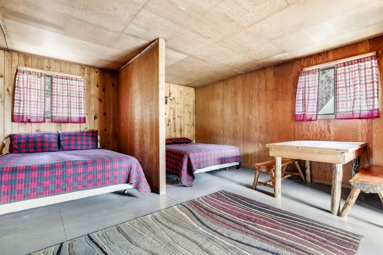 Cabin 1B Beds
