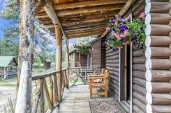 Cabin 2 Porch