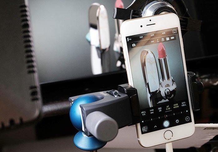 梅問題-「手機商品攝影-20」用手機拍出高貴又時尚[ 嬌蘭紅寶之吻] 唇膏