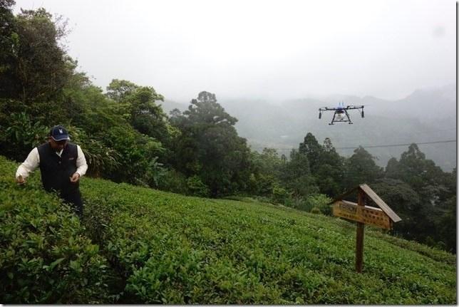 【圖三】好食好事新創團隊「譜曲辰農業科技」提供全方位農業解決方案,以數據協助農民判斷氣候、土壤與病蟲害,並結合5G及無人機操作噴灑農業資材。
