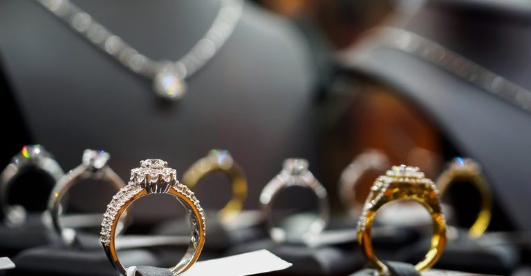 Choosing An Engagement Ring That Suits Your Personality