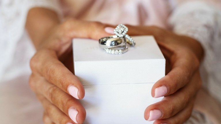 How To Bring Back The Sparkle To Your Diamond Ring