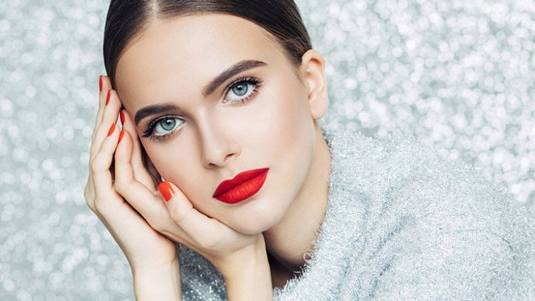 Tips to Coordinate Lipstick Shades According to Your Outfit