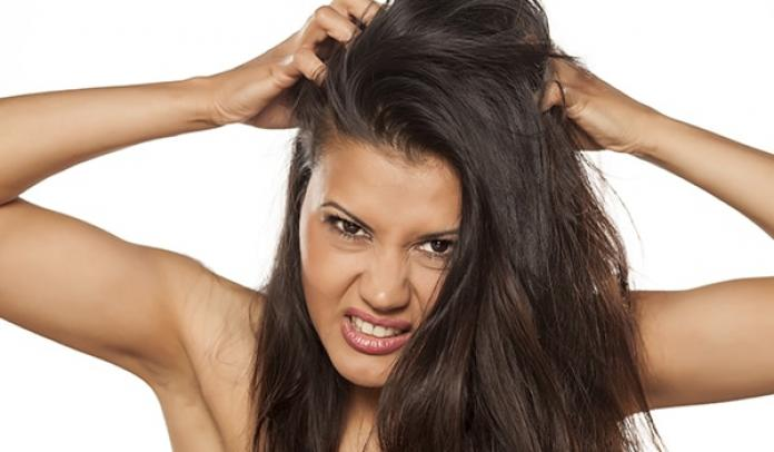 5 Ways to Treat Dandruff at Home