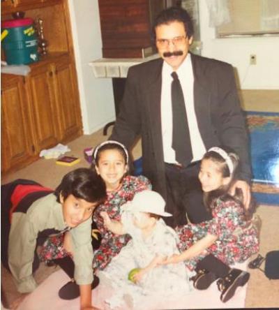 عبدالرحمن الوابلي مع أبنائه