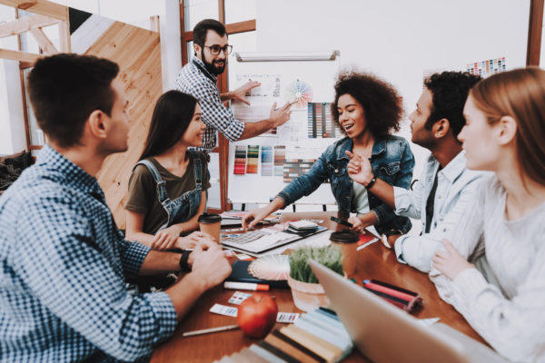 بناء فريق العمل يتطلب المرور بخمس مراحل