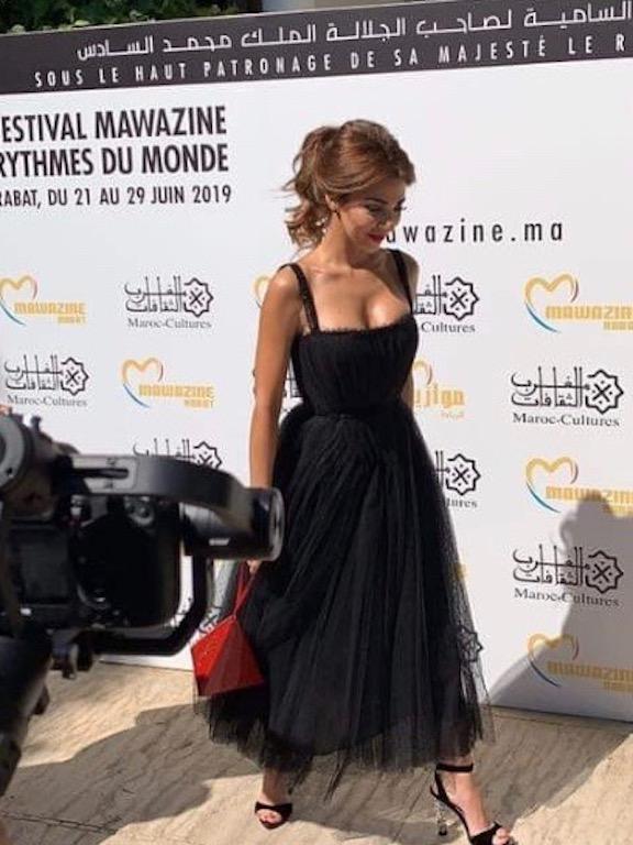 ميريام فارس متألقة في فستان من ديور