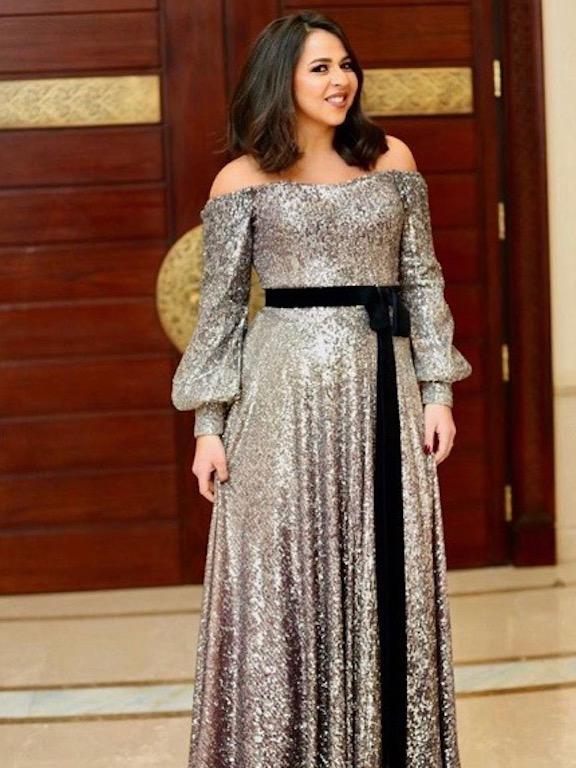 إيمي في فستان من الترتر البراق من صادق ماجد