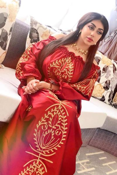 8 - غادة الزدجالي بفستان أحمر مطرز - صورة من حسابها على إنستجرام